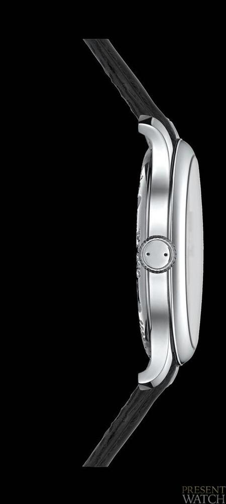Tourbillon Souverain (side view)